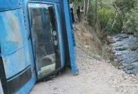 یک کشته و ۱۳ مجروح در واژگونی وانت حامل کوهنوردان در نیشابور