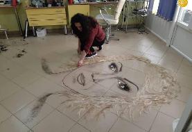 (تصاویر) نقاشی با تهمانده موهای مشتریان در آرایشگاه زنانه