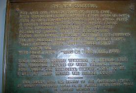 سرپرست اداره مهاجرت آمریکا با تحریف شعر حک شده بر مجسمه آزادی جنجال آفرید