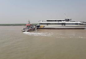 کشتی مسافربری خرمشهر - کویت به گل نشست/ ۲۳۰ مسافر به اروندکنار منتقل شدند
