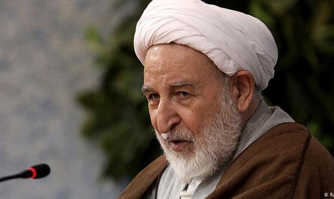 انتقاد آیت الله یزدی از آملی لاریجانی: به اسم مدرسه علمیه، کاخ ساختند! رییس دفترتان هم دستگیر شد