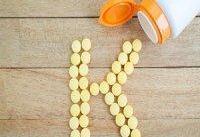 فقر ویتامین کا و ۷ علامت پنهان آن در بدن!