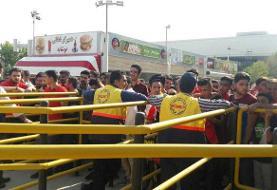 ۱۰ هزار نفر بدون بلیت الکترونیکی وارد ورزشگاه آزادی شدند!