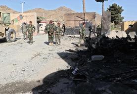 در حمله انتحاری طالبان به اردوگاه ارتش در کابل ۴ سرباز کشته و ۳ تن دیگر زخمی شدند.