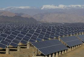 وزیر نیرو، نیروگاه خورشیدی ۱۰ مگاواتی فهرج یزد را افتتاح کرد