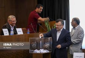 وزارت ورزش: داورزنی می تواند همزمان رئیس والیبال و سرپرست معاونت قهرمانی باشد!