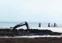 تخریب محیط زیست تالاب میانکاله به بهانه جذب گردشگر/ جاده&#۸۲۰۴;ای که به بیراهه می&#۸۲۰۴;رود!