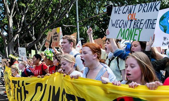 تظاهرات چند صدهزار نفری جوانان سراسر جهان در اعتراض به تغییرات جوی