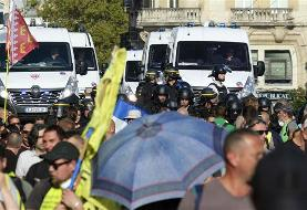 France deploys thousands of police officers to counter yellow vest rallies in Paris b race