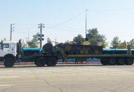 رژه تجهیزات سپاه/ نمایش موشک «زلزال۱» و «خرمشهر»