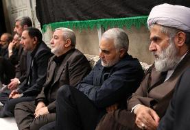 عکس سردار سلیمانی در مراسم عزاداری بیت رهبری