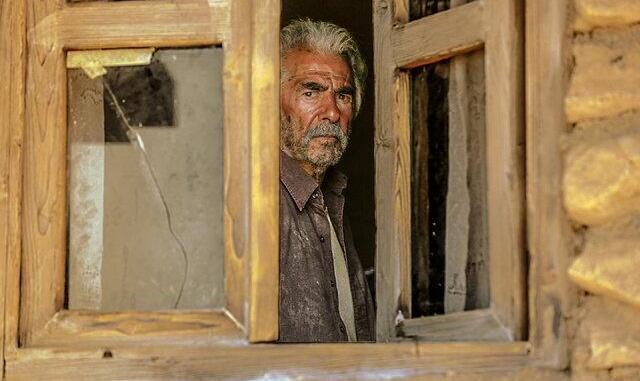اولین تصاویر از فیلم جدید حاتمیکیا ؛ فرامرز قریبیان در «خروج»