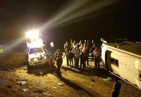 واژگونی اتوبوس مشهد ـ بندرعباس در کرمان/۳۸ نفر کشته و مصدوم شدند +عکس