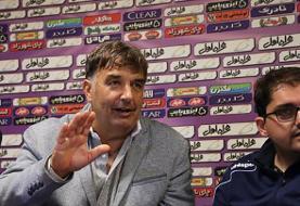 کریستوویچ: عدالت بین همه باشگاهها برقرار نشده است؛ مثل سایر تیمها به ما نگاه کنید