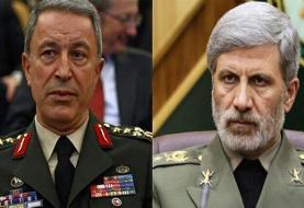 وزاری دفاع ایران و ترکیه بر لزوم تداوم همکاریهای دو جانبه و منطقهای تاکید کردند