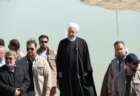 (تصاویر) روحانی در میان سیل زدگان سیستان و بلوچستان
