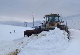 انسداد راه ارتباطی ۱۶۰ روستای آذربایجان شرقی به دلیل برف