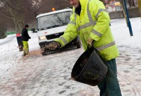 برف روبی معابر در دستور کار شهرداری تهران