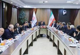 بانک مرکزی از فعالان بخش خصوصی و تعاونی حمایت میکند