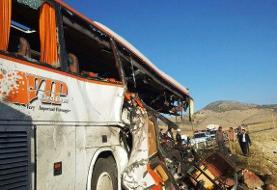 تصادف اتوبوس با کامیون در مهریز/ ۱۱ نفر زخمی شدند