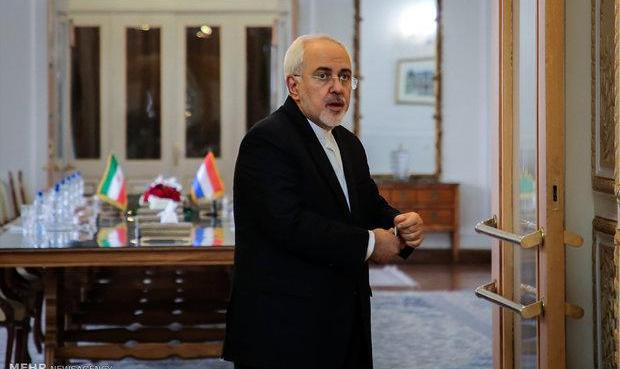 گفتگوی ظریف با وزیر خارجه استرالیا درباره یک زندانی تکذیب شد