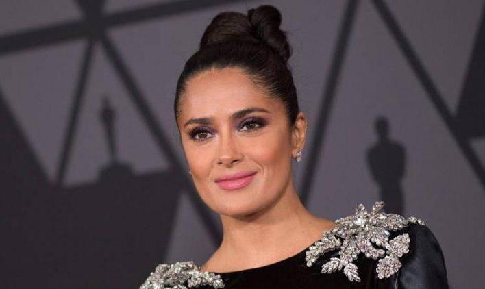 عذرخواهی بازیگر زن سرشناس برای تبلیغ کتاب داستان زنی مکزیکی: آن را مطالعه نکرده بودم!