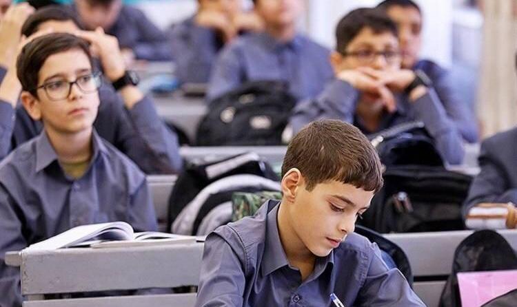مدارس تهران فردا هم تعطیل شدند