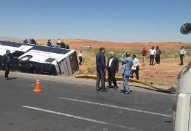 (تصویر) شش کشته در واژگونی یک اتوبوس در جاده قم به کاشان