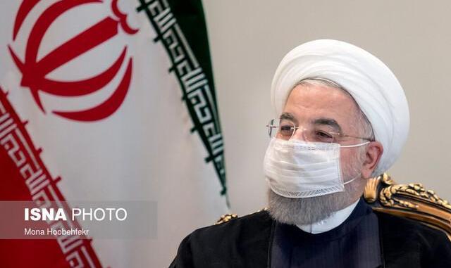رئیس جمهور ایران: دست همه مدافعان سلامت را می بوسم