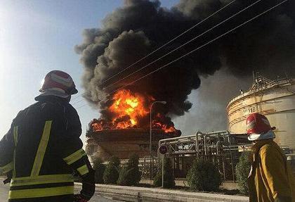 ادامه آتش سوزی ها و انفجارهای زنجیره ای یا عمدی در کشور: پتروشیمی بندر امام