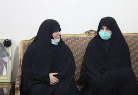 عکسی از حضور نمایندگان مجلس در منزل شهید امر به معروف محمدی
