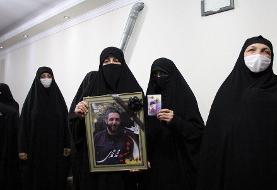 (تصاویر) دیدار همسران شهدا با خانواده شهید محمدی