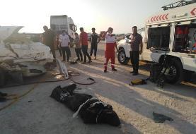 ۲ کشته در تصادف پژو ۲۰۶ و تریلر در دیر بوشهر