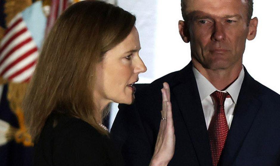 ضربه ترامپ به لیبرالها با انتصاب قاضی مذهبی مخالف حق بانوان برای سقط جنین به دیوان عالی آمریکا