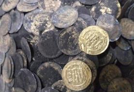 کشف ۱۳۰سکه متعلق به دوره آل بویه از اتاقک یک قبرکن در ری