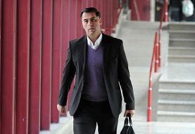باشگاه فولاد برای ثبت قراردادهایش فردی جز آذری را معرفی کند
