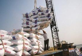 معاون گمرک: ۲۰۰ هزار تن برنج وارداتی در حال فاسد شدن / هیچ ارزی تخصیص داده نشد
