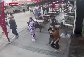 ببینید | قابی مملو از وحشت و ترس؛ واکنش مردم ازمیر در لحظه وقوع زلزله