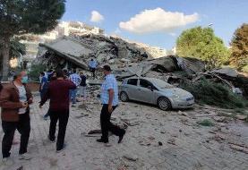 ببینید | لحظات وحشتناک زلزله و تخریب شیشههای یک ساختمان مسکونی در ازمیر