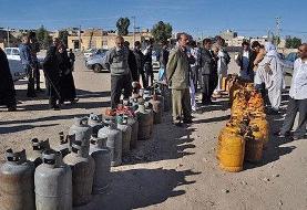 بازار گاز دست دلالان و مردم همچنان در صف