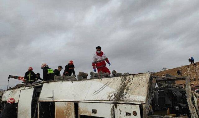 ۴ کشته و ۱۷ زخمی در حادثه واژگونی سرویس کارکنان پالایشگاه اصفهان