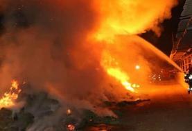 آتش سوزی در انبار البسه قدیمی در نظام آباد تهران