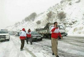 بارش برف و کولاک شدید محور سقز-دیواندره را مسدود کرده است