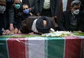 (تصاویر) وداع با پیکر شهید محسن فخری زاد در مرقد امام
