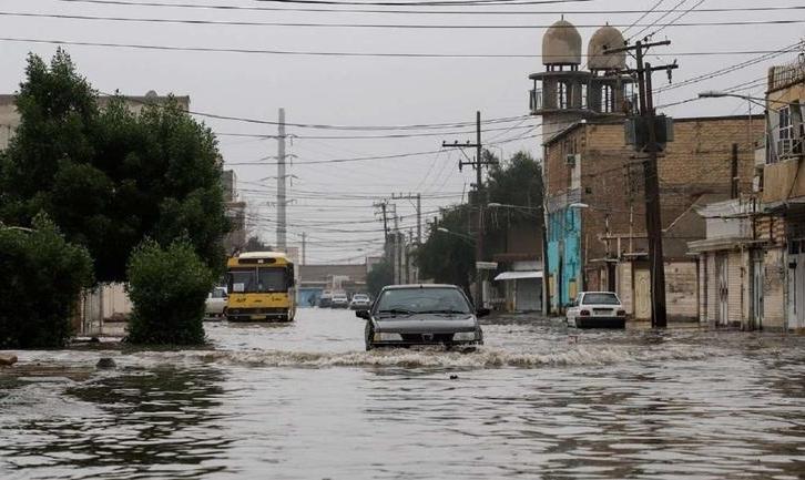 باز باران آمد و خیابانها را آب گرفت: عکس آبگرفتگی معابر در اهواز