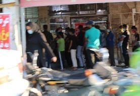 تصاویر قابل تامل | صفهای عجیب خرید مرغ در هیاهوی کرونا!
