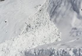 تصاویر | ریزش بهمن در مسیر قله کلون بستک