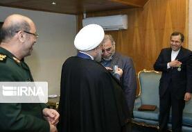 عکس | تصاویر اختصاصی از اهدای نشان خدمت برجام به شهید فخریزاده