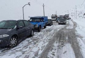 برف و بوران جاده هراز را بست