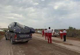 امدادرسانی به خانوادههای گناوهای گرفتار در محاصره آب